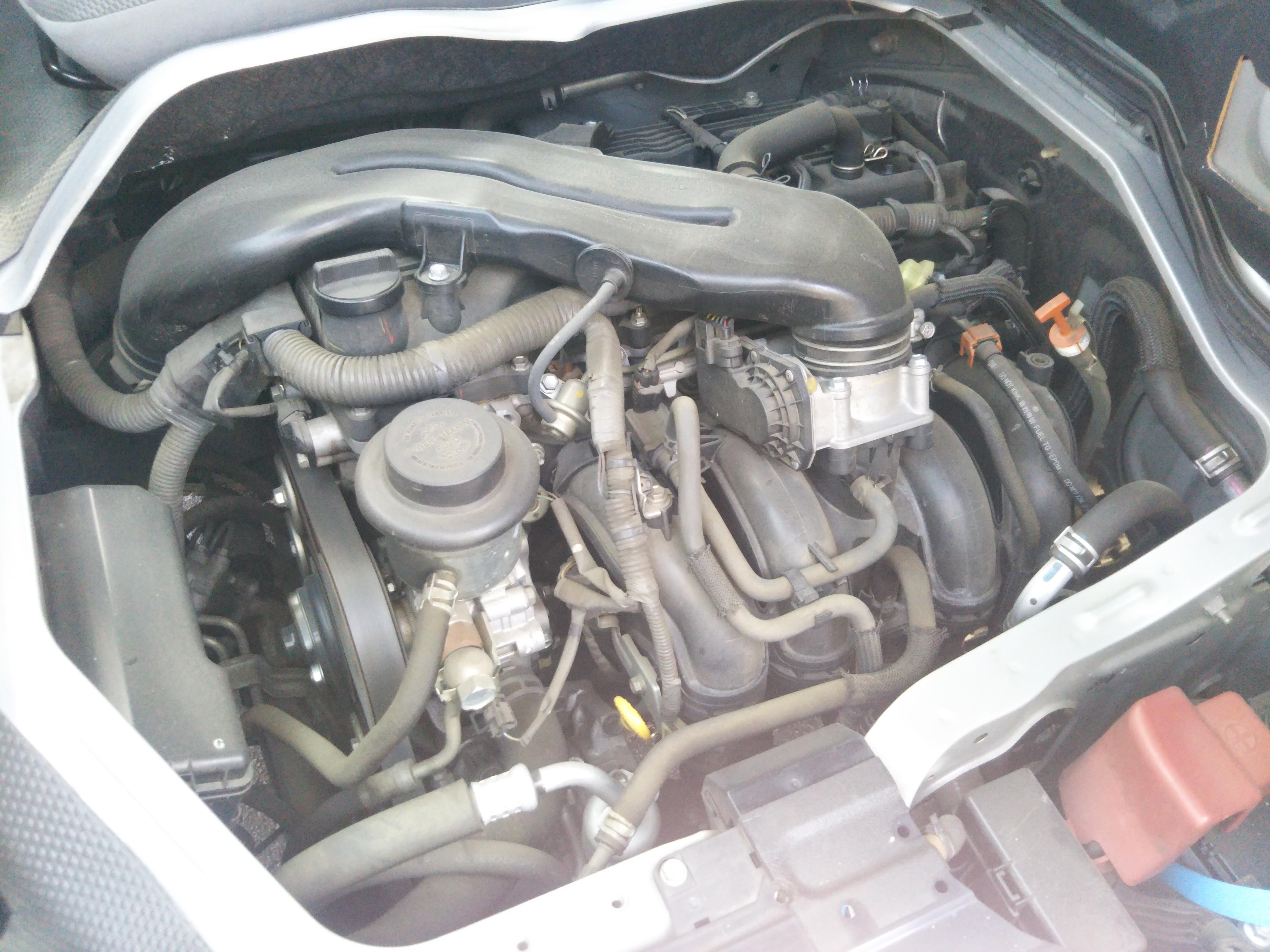 トヨタハイエースバン 5ドアロングGLパッケージの車両写真 その3