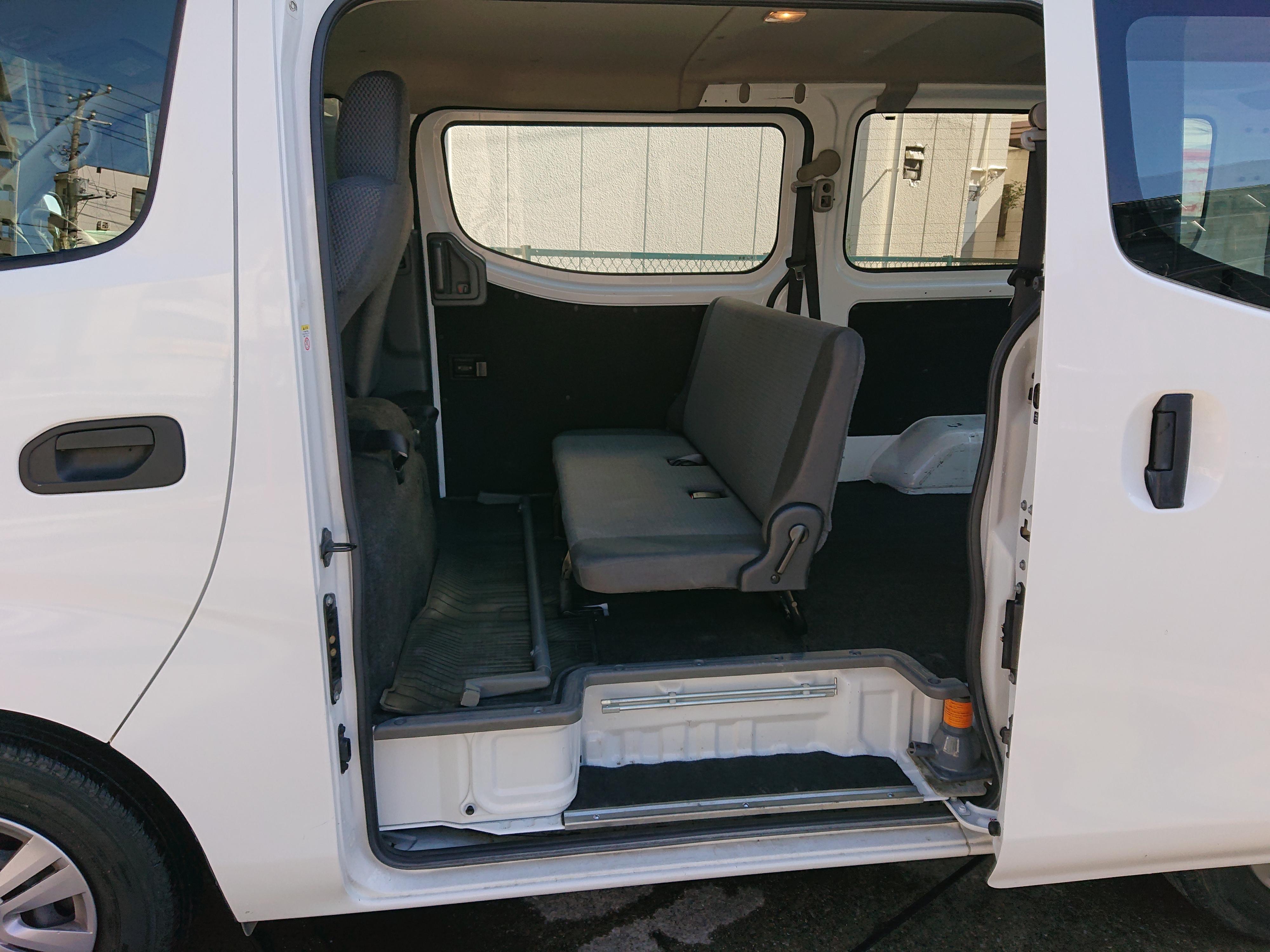 日産NV350キャラバン5ドアDXの車両写真 その7