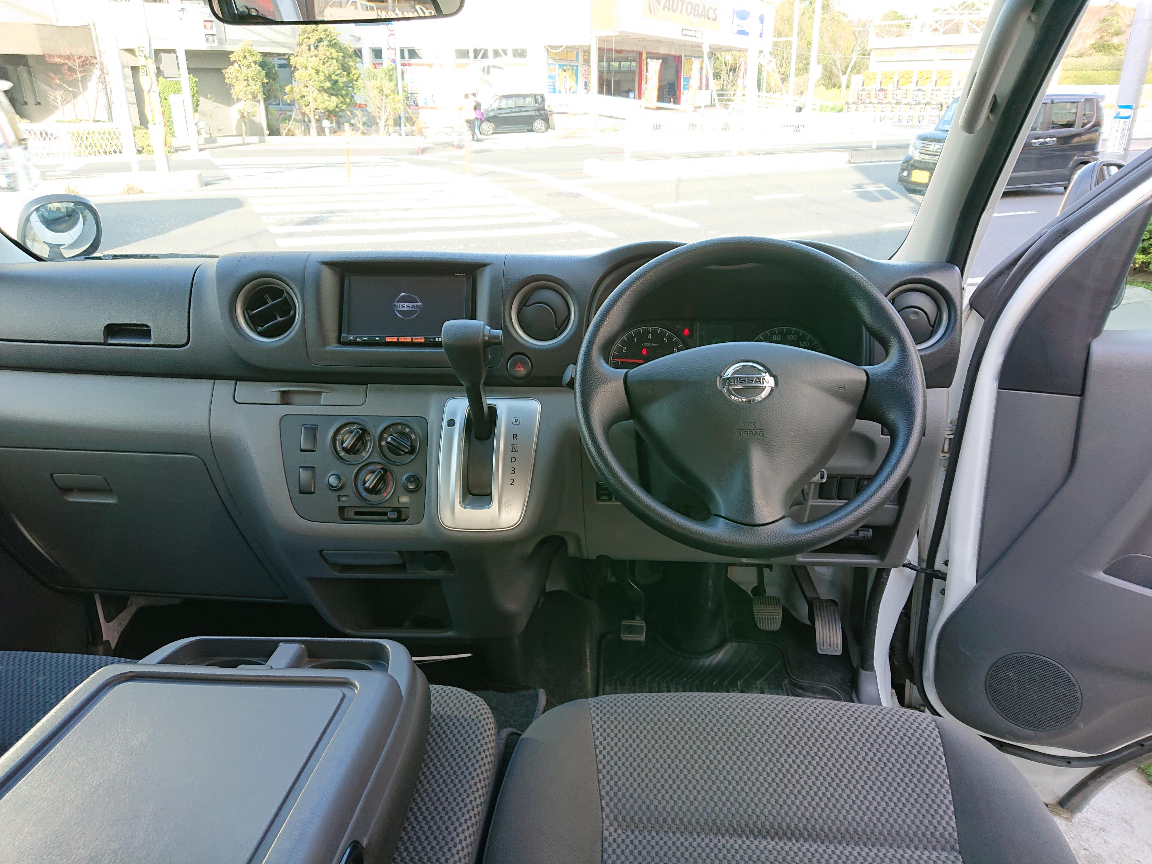 日産NV350キャラバン5ドアDXの車両写真 その3