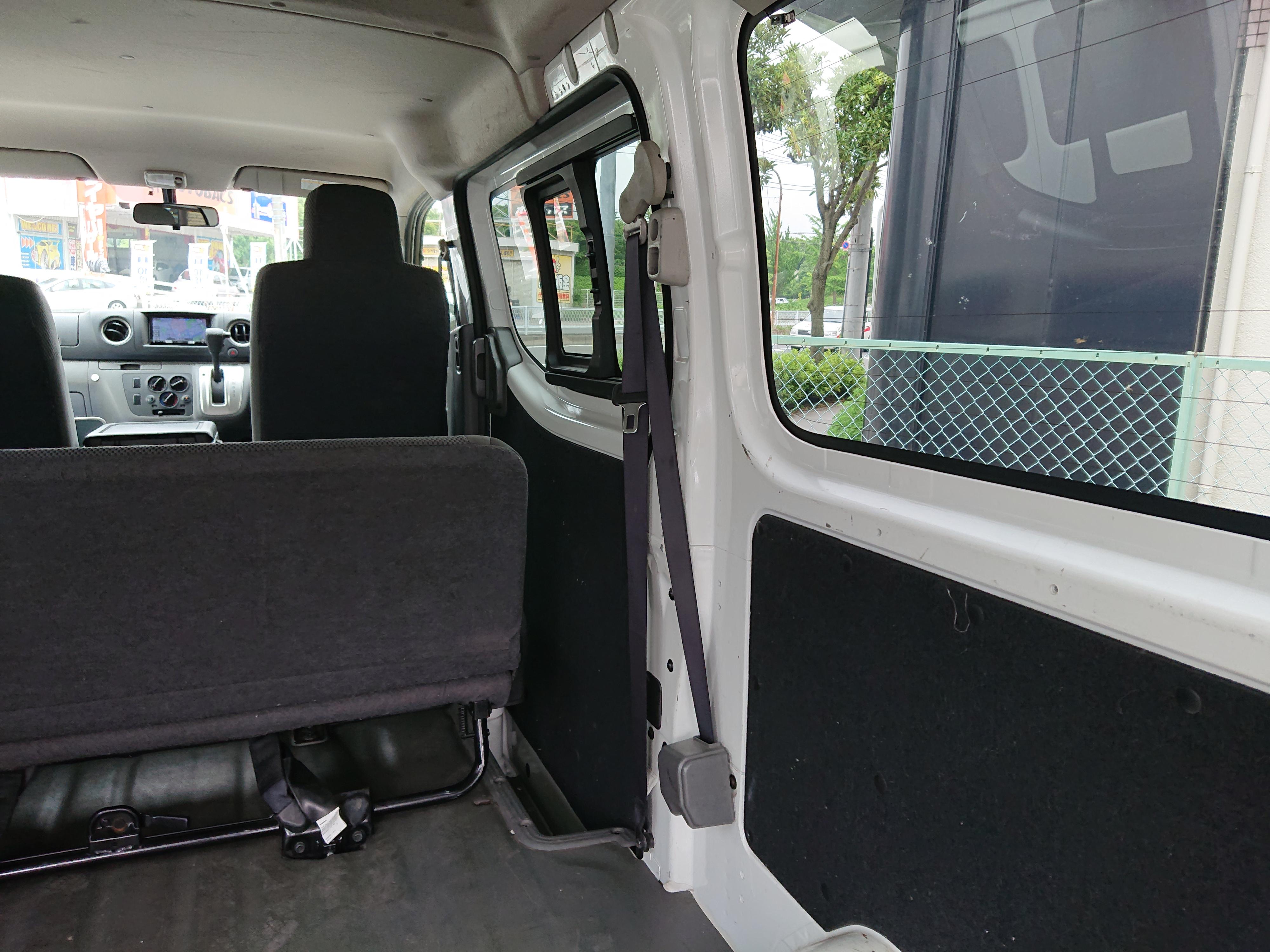 日産NV350キャラバン 5ドアロングDXの車両写真 その9