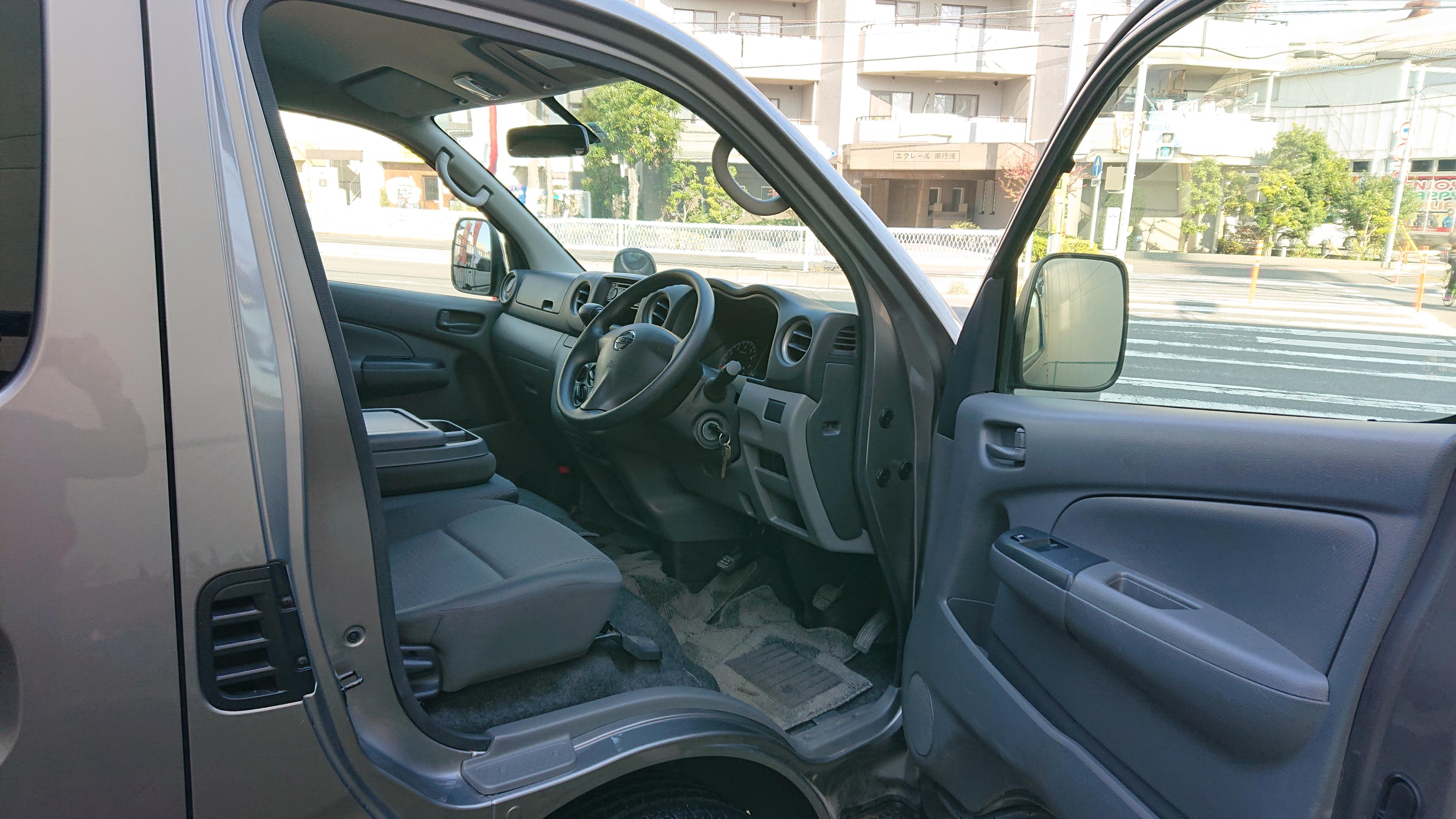 日産NV350 5ドアロングDXの車両写真 その4
