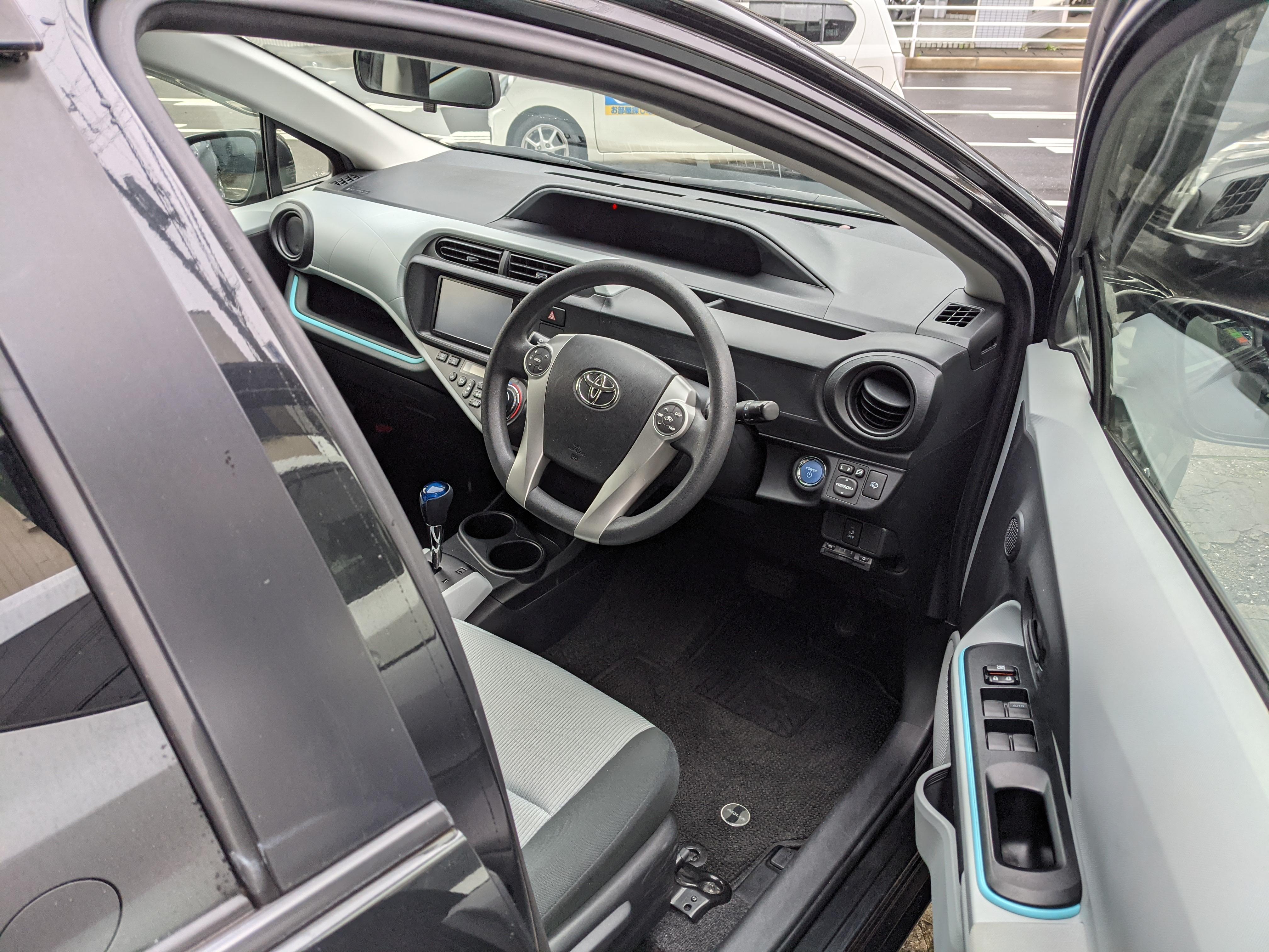 トヨタアクア5ドアS スマートエントリーPKGの車両写真 その8